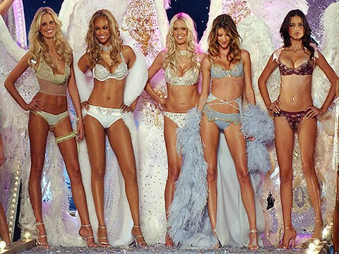 Victoria's Secret Fashion Show...MELEKLER PARİS'E UÇUYOR!..